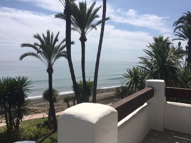 Fabuloso apartamento primera linea Alcazaba Beach